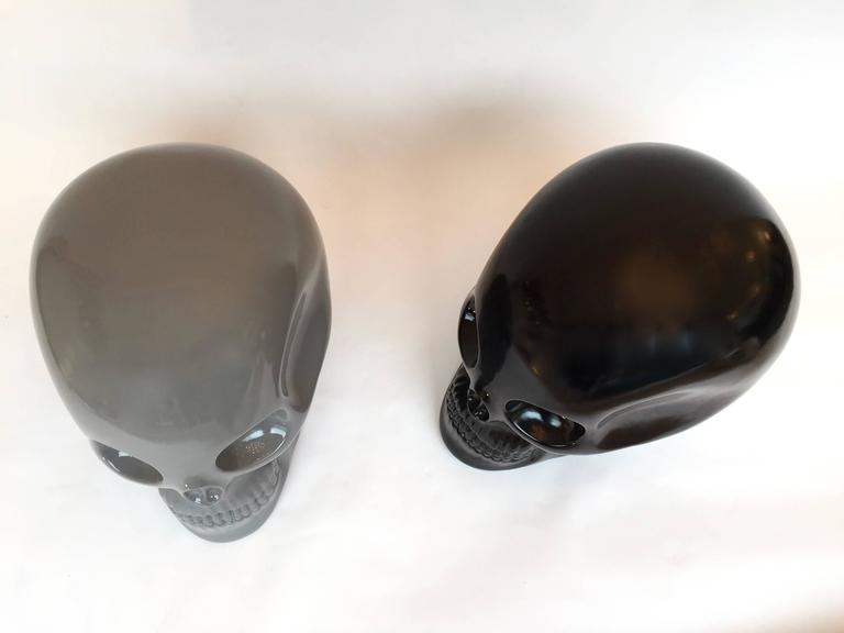 Sculpture stool pouf or ottoman skull titled Transvital 2009 in grey  ceramic by the designer Antonio Cagianelli who work on the philosophy Vanities for more than 20 years. Limited edition of 20 exemplary by color. Contemporary art work. Some of his