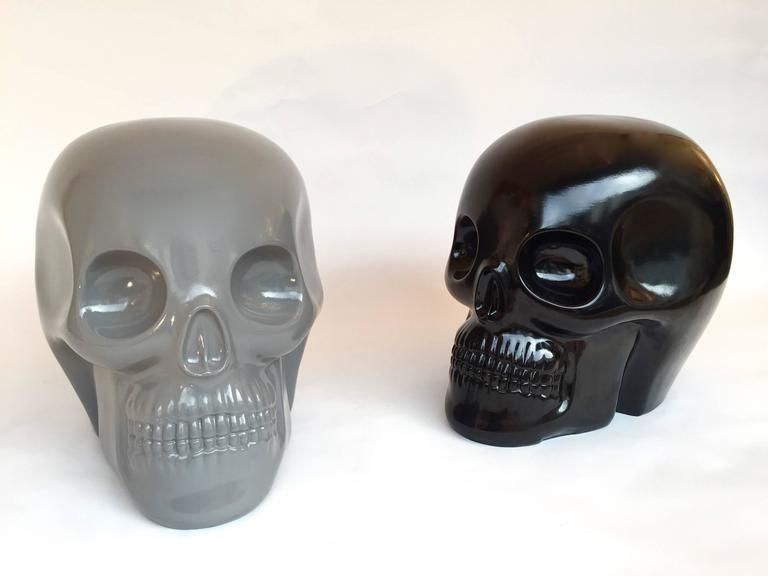 Stool Skull in Grey Ceramic by Antonio Cagianelli, Contemporary In Excellent Condition For Sale In SAINT-OUEN, FR