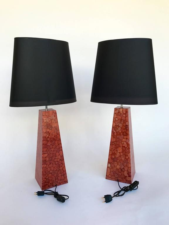 Pair of Lamps Pyramidal Coral Veneer, Italy, 1980s For Sale 1