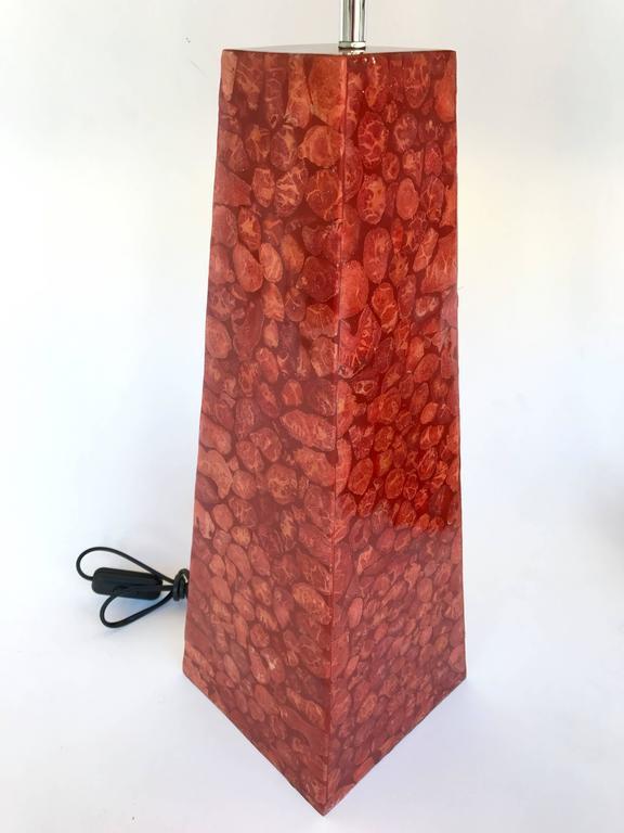 Italian Pair of Lamps Pyramidal Coral Veneer, Italy, 1980s For Sale
