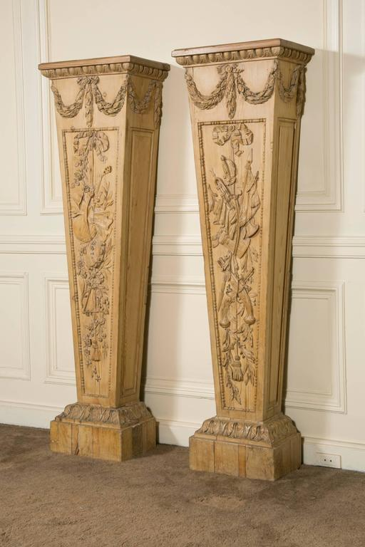 "French Pair of Louis XVI Style ""Gaine"" Pedestal in Carved Pine  For Sale"
