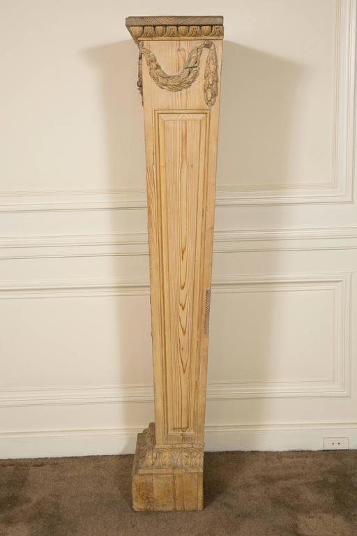 "Pair of Louis XVI Style ""Gaine"" Pedestal in Carved Pine  For Sale 2"