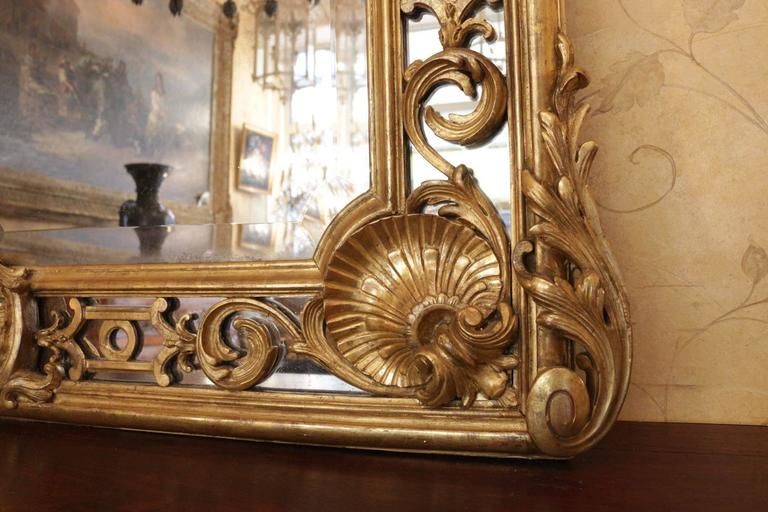Fine and Large French 19th Century Giltwood Carved Mirror In Good Condition For Sale In Saint-Ouen, FR