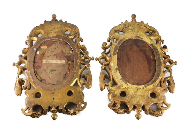 Pair of 18th Century Italian Giltwood Mirrors In Good Condition For Sale In Pasadena, CA