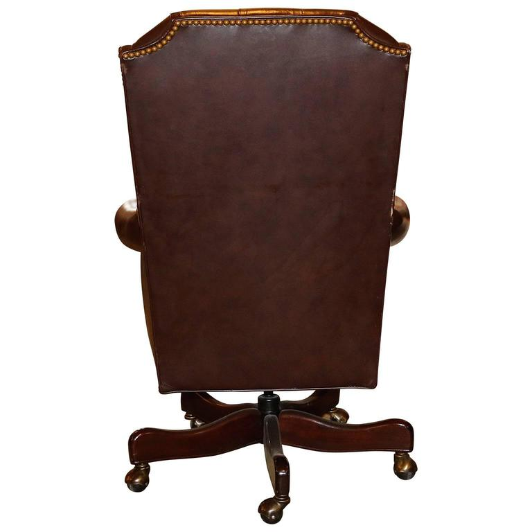 20th Century Cabot Wrenn Executive Seating With Tufted Leather In Excellent Condition For Pasadena