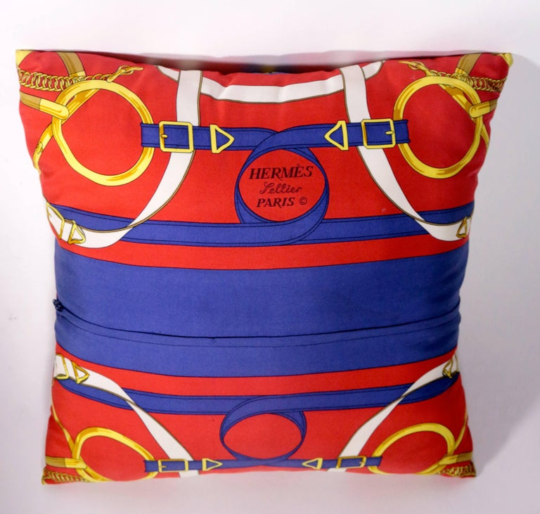 Set of Three Authentic Hermes Two Side Silk Cushion Pillows In Excellent Condition For Sale In Pasadena, CA