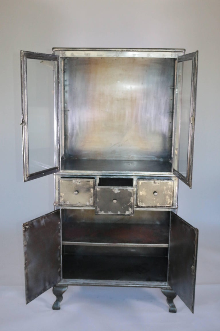 industrial modern 1920s steel metal medical cabinet for sale at 1stdibs. Black Bedroom Furniture Sets. Home Design Ideas