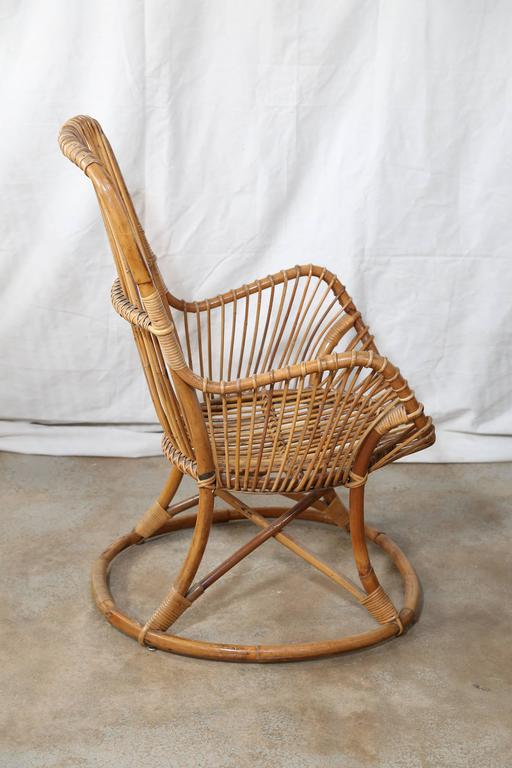 French Pair of Vintage Rattan Chairs For Sale