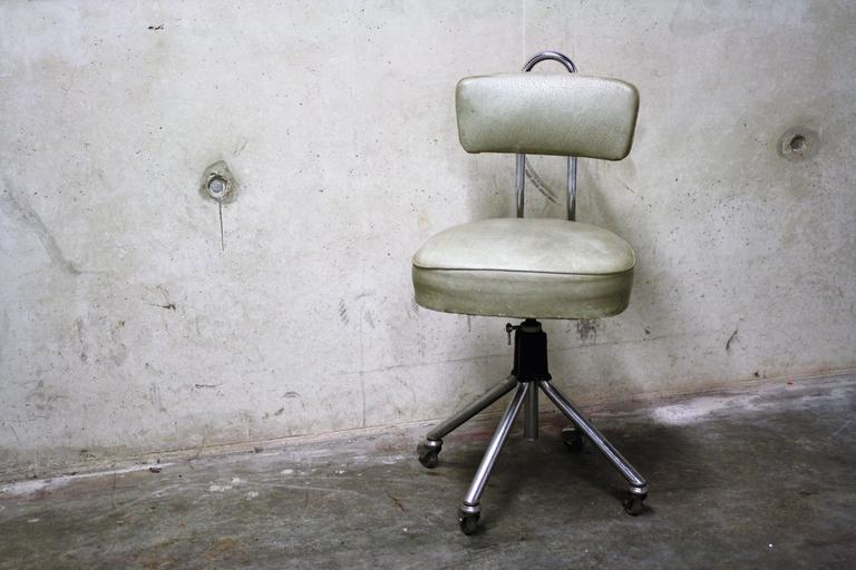 Vintage Dentist Chair 1960s At 1stdibs