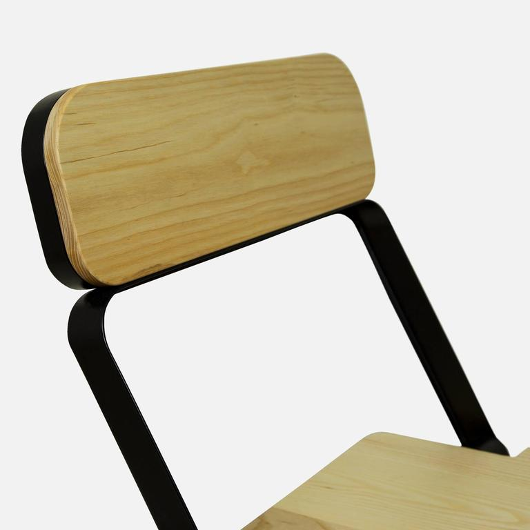 Profile Folding Chair, Black and Natural, from Souda, Made to Order For Sale 1