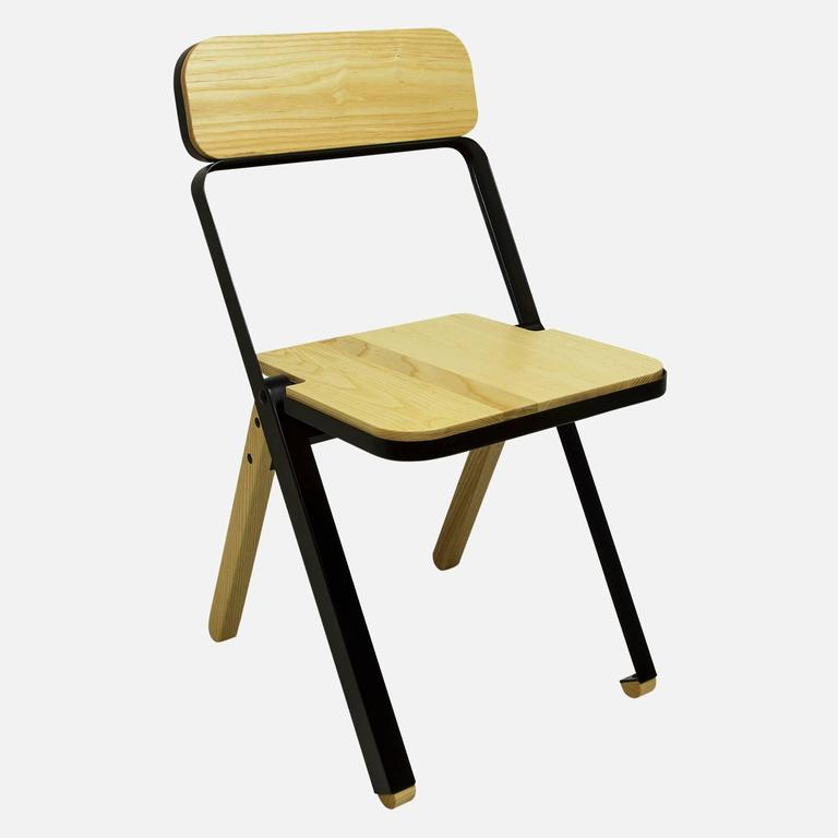 Modern Pair of Profile Folding Chairs, Black and Natural from Souda, Made to Order For Sale