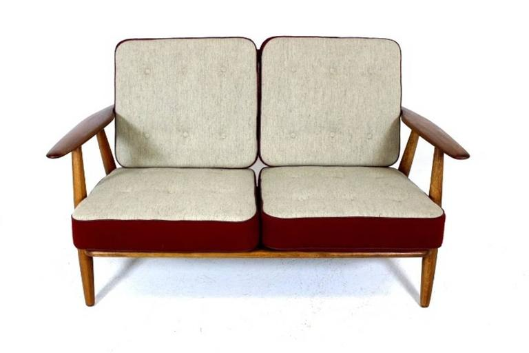 Two-Seat Cigar Sofa GE240 by Hans J Wegner 3