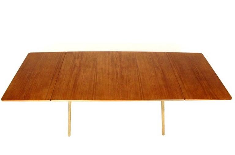 Oak Scandinavian Dining Table with Cross-Leg, At-309 Hans J Wegner for Andreas Tuck For Sale