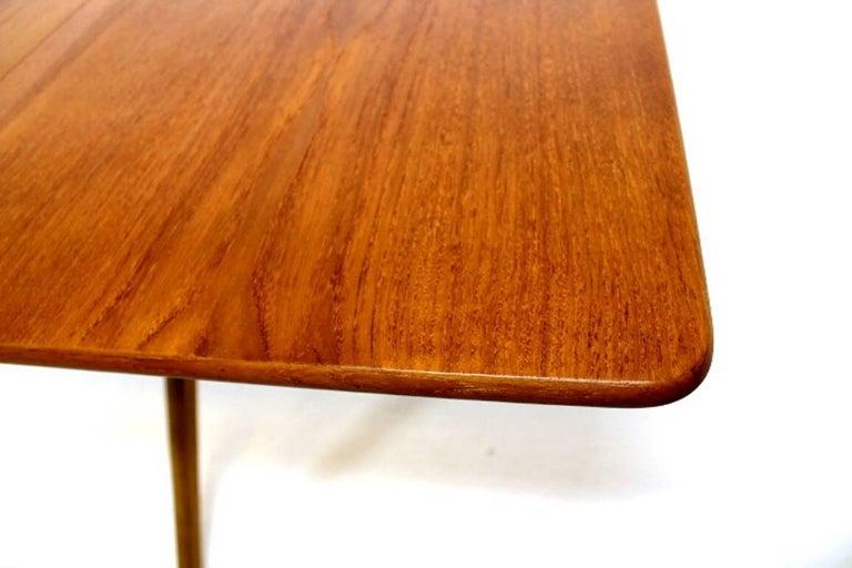 Scandinavian Dining Table with Cross-Leg, At-309 Hans J Wegner for Andreas Tuck For Sale 3