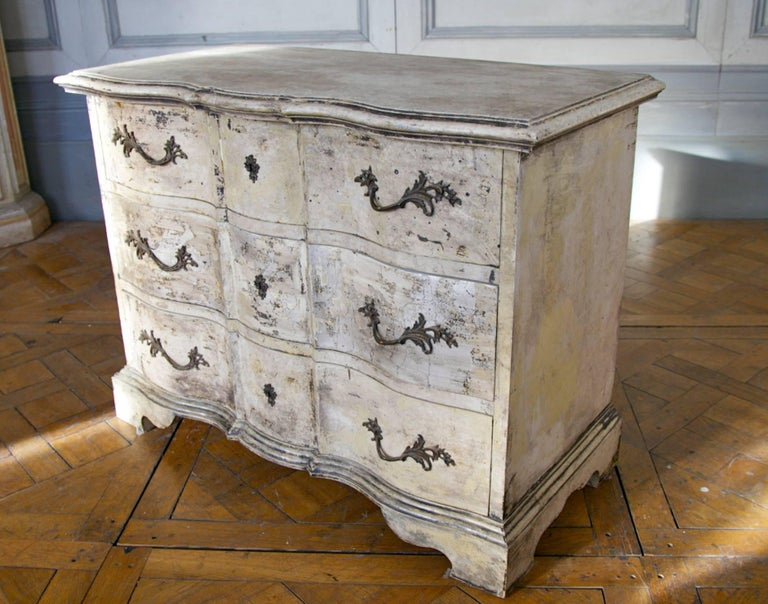 Hand-Carved Louis XIV Arbalette Chest of Drawers For Sale