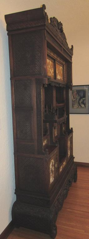 Beautiful And Well Maintained Japanese Shibayama Cabinet. Meiji Period,  Circa 1890. Upper