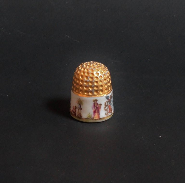 German Meissen Porcelain Thimble with Chinoiserie Scenes, circa 1735-1740 For Sale