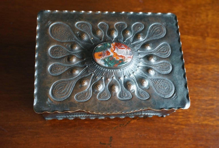 Arts and Crafts Museum Quality Hand-Hammered Copper and Gemstone Inlaid Arts & Crafts Box For Sale