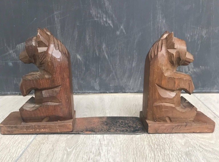 20th Century Highly Decorative Pair of Hand-Carved Art Deco Era, Wooden Sitting Bear Bookends For Sale