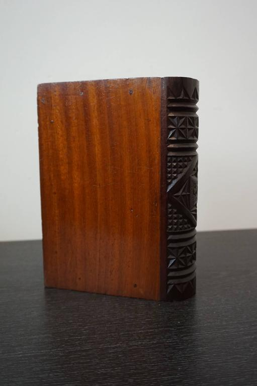 Rare mid 19th Century Carved Mahogany German Kerbschnitt Book Shaped Jewelry Box For Sale 1