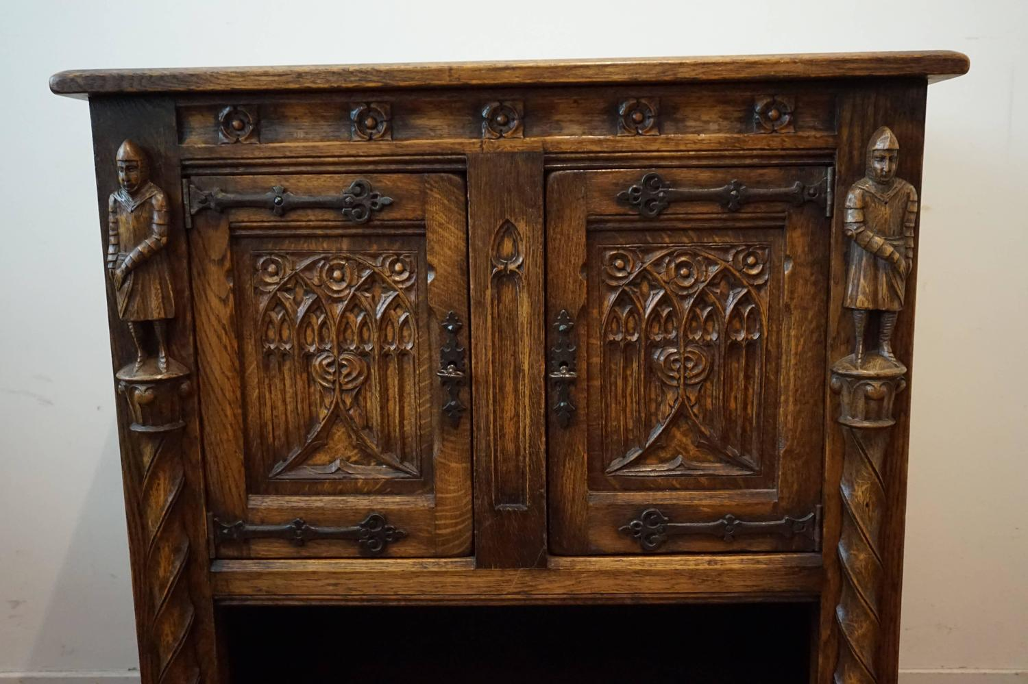 Early 20th Century Gothic Revival Carved Oak Drinks