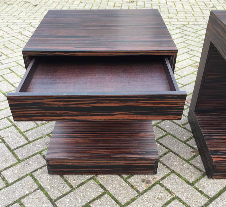 Pair of Art Deco Style and Cubical Macassar Nightstands or Bedside Tables For Sale 2