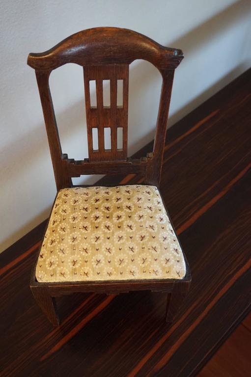 Antique Handcrafted Jugendstil Oak Miniature or Doll Chair Beautiful Design For Sale 4