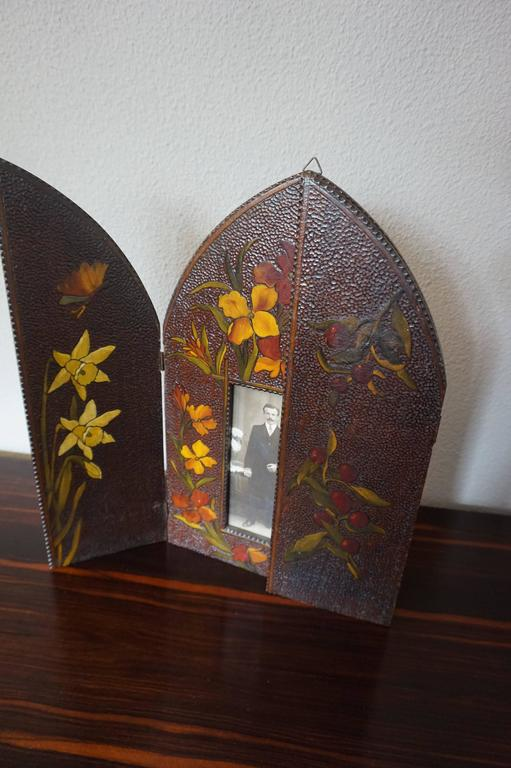 Arts And Crafts Wooden Picture Frame Carved And Colored