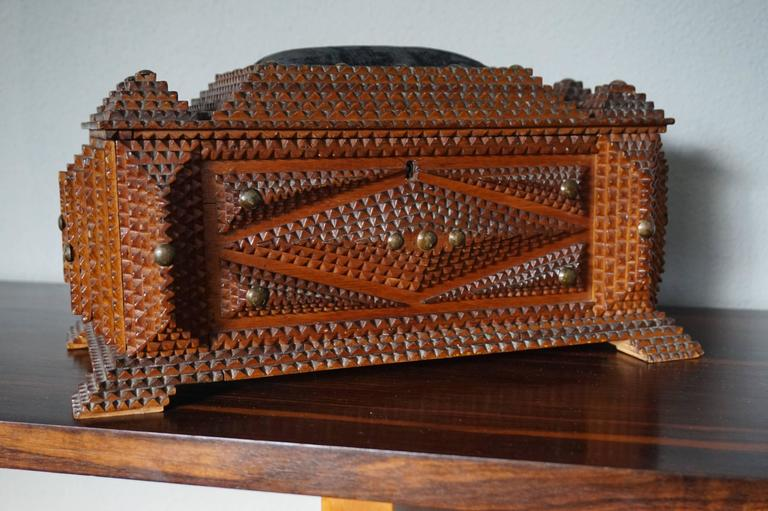 Antique Folk Art Handcrafted Gothic Revival Tramp Art Sewing Box with Picture For Sale 3