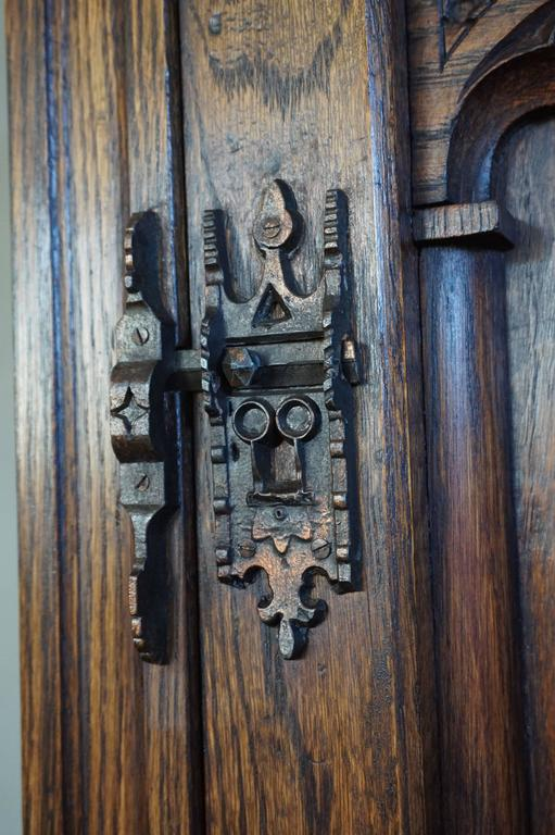 Gothic Revival Oak Dry Bar / Hallway Cabinet with Carved Knight & Cast Iron Lock For Sale 1