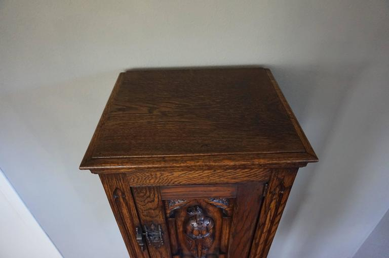 Gothic Revival Oak Dry Bar / Hallway Cabinet with Carved Knight & Cast Iron Lock 10
