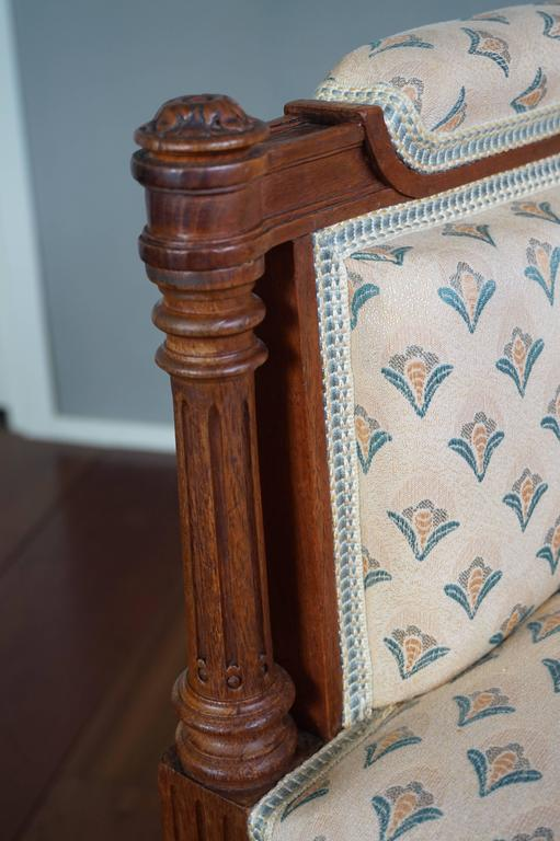 Antique Louis XVI Style Hand Carved Nutwood Ladies Bergere Small Armchair  In Good Condition For Sale In Lisse, NL