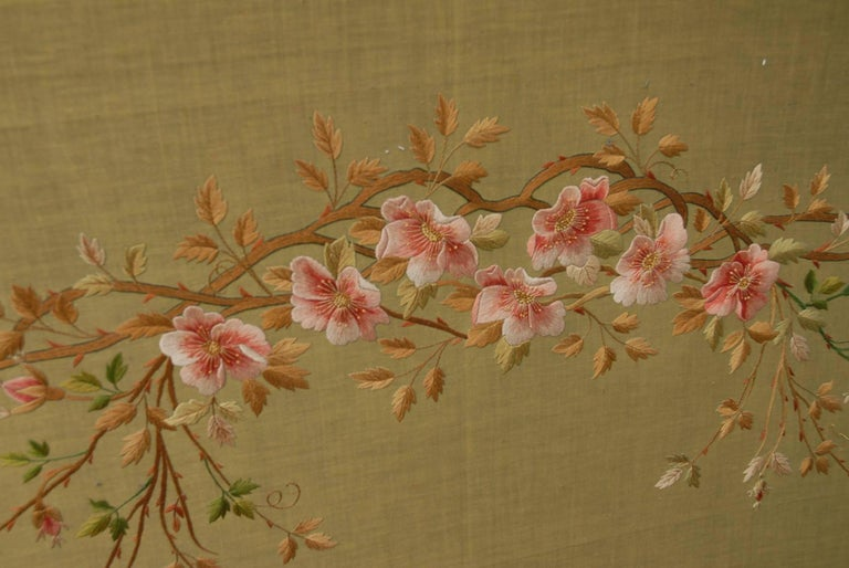 Large Chinese Three-Fold Wall Screen with Silk Lotus Flower and Swan Embroidery For Sale 1