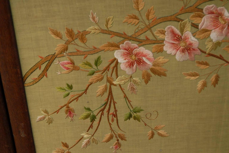 Large Chinese Three-Fold Wall Screen with Silk Lotus Flower and Swan Embroidery For Sale 2
