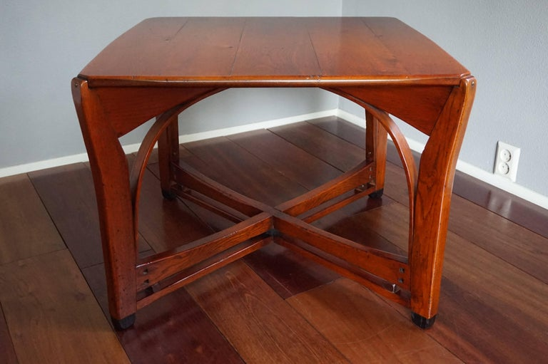 Stunning and mint solid oak arts and crafts style coffee for Arts and craft tables