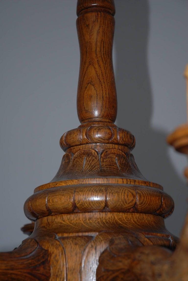Antique and Large Top Quality Carved Oak Six-Light Sculpture Chandelier Pendant For Sale 1