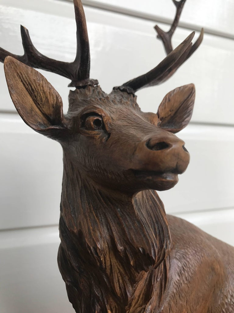 Antique and Large Hand-Carved Black Forest Walnut Deer Family Sculpture Statue In Good Condition For Sale In Lisse, NL