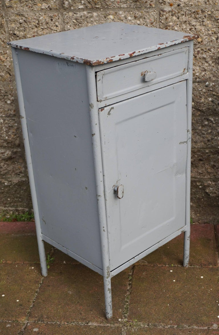 Post World War II 1940s Pair of Industrial Steel Nightstands Cabinets In Fair Condition For Sale In Lisse, NL