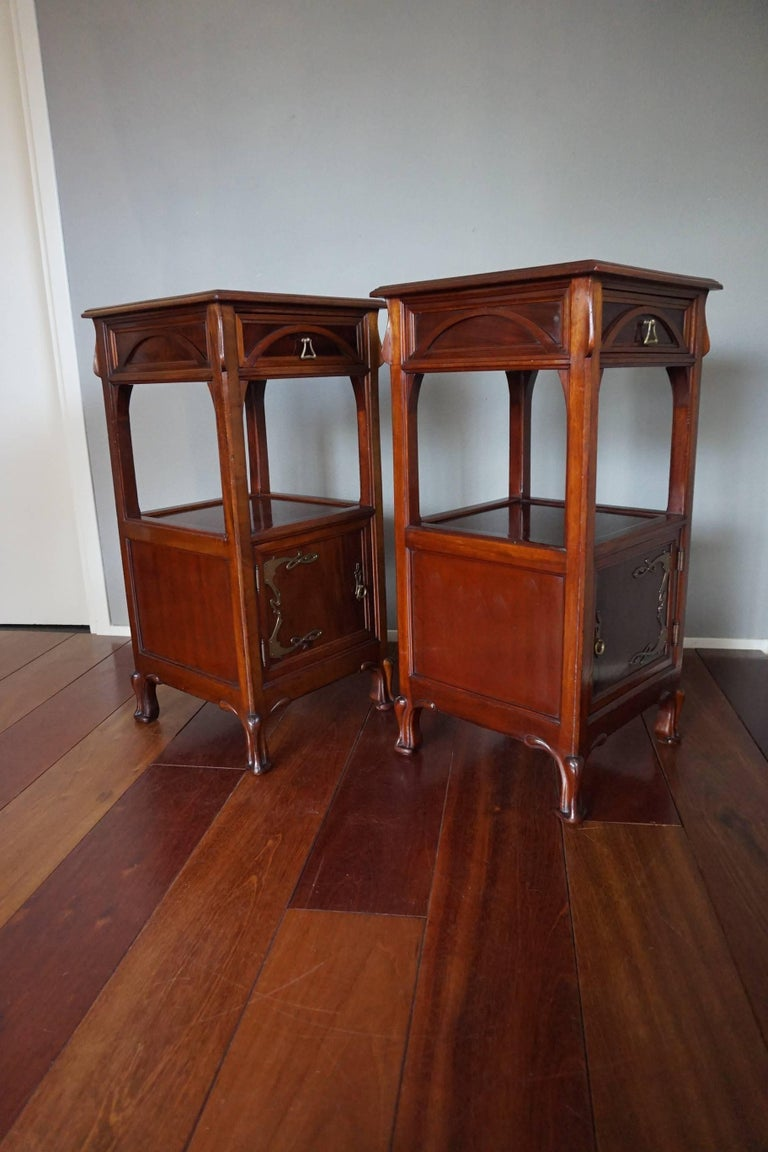 Hand-Crafted Rare Art Nouveau Mahogany Bedside Cabinets / Nightstands Louis Majorelle Style For Sale