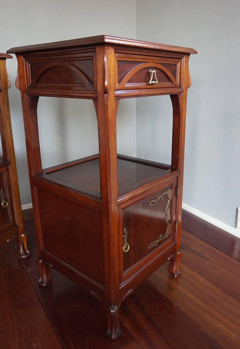 Rare Art Nouveau Mahogany Bedside Cabinets / Nightstands Louis Majorelle Style For Sale 2