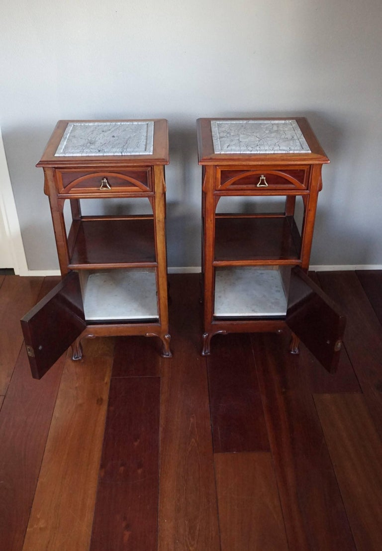 20th Century Rare Art Nouveau Mahogany Bedside Cabinets / Nightstands Louis Majorelle Style For Sale