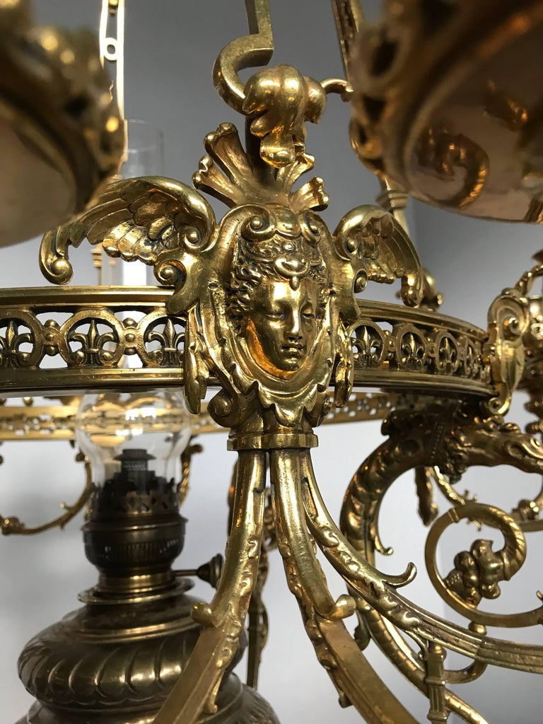 Antique Rare & Large Neo Classical Gilt Bronze Oil Lamp and 12 Candle Chandelier In Good Condition For Sale In Lisse, NL