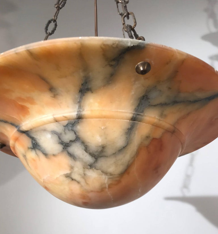 Beautiful Early 20th Century Art Deco Alabaster and Chain Pendant Light In Good Condition For Sale In Lisse, NL