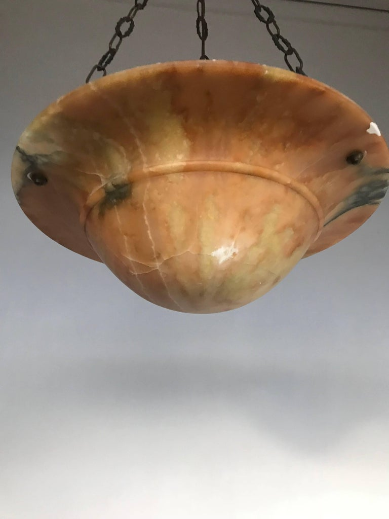 Beautiful Early 20th Century Art Deco Alabaster and Chain Pendant Light For Sale 5