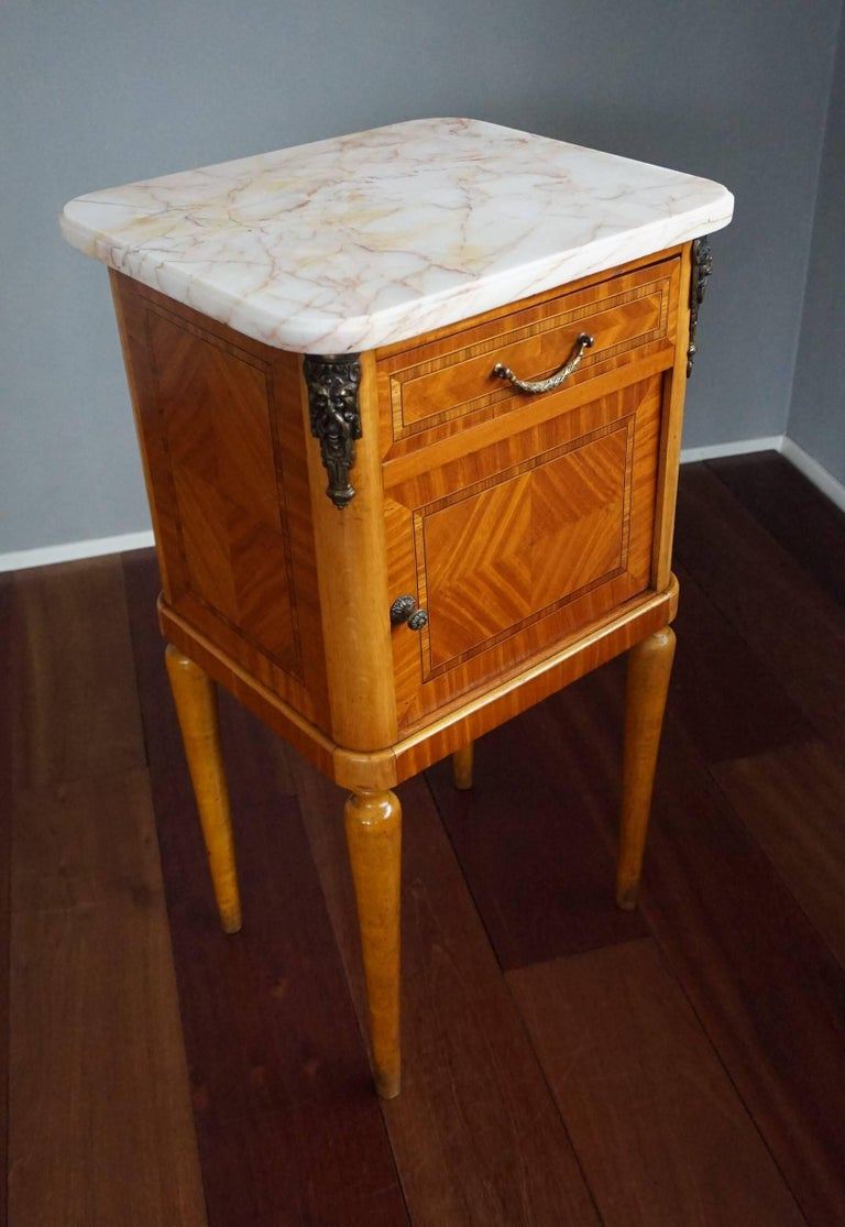 French Antique Pair of Kingwood & Inlaid Satinwood Bedside Cabinets / Nightstands For Sale