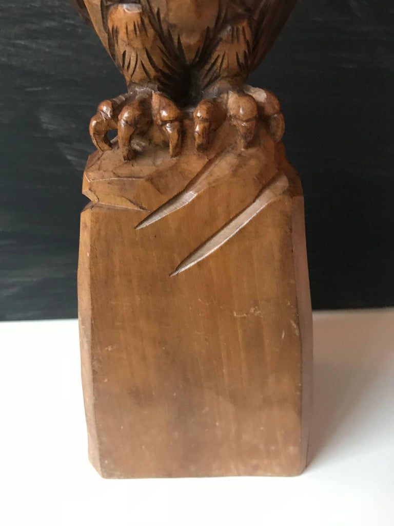 20th Century Carved Wooden Owl Sculpture Symbol of Wisdom and Learning with Signature For Sale
