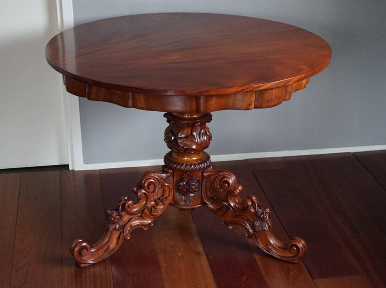 19th Century Mahogany Dining or Center Table with Hand-Carved Tripod Base For Sale 5