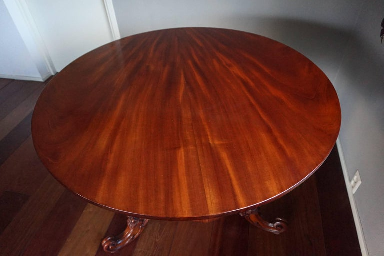 19th Century Mahogany Dining or Center Table with Hand-Carved Tripod Base For Sale 2