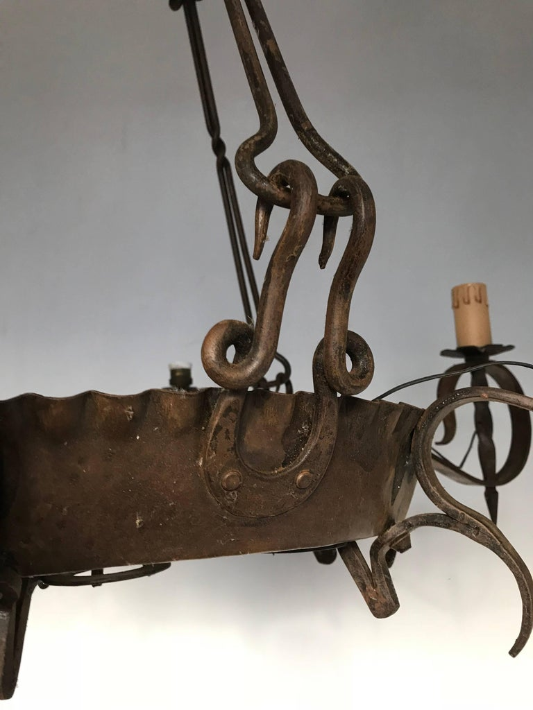 Antique Large Arts & Crafts Wrought Iron Medieval and Castle Look Chandelier In Excellent Condition For Sale In Lisse, NL
