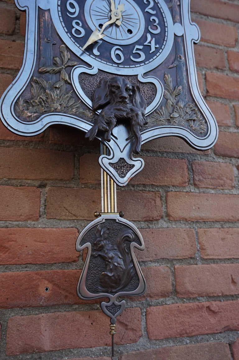 Antique Jugendstil Hunting Clock with Bronze Dog and Capercaillie Bird Sculpture In Excellent Condition For Sale In Lisse, NL